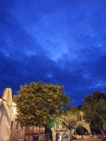 Monflanquin, Francia: Aldayaa - Douceur nocturne sur la terrasse 1