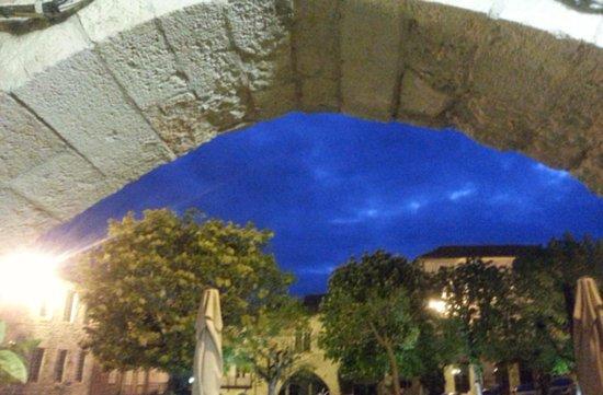 Monflanquin, Francia: Aldayaa - Douceur nocturne sur la terrasse 2