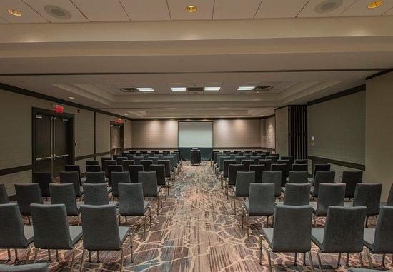 Minnetonka, Minnesota: Cedar Lake Ballroom - Theater Setup