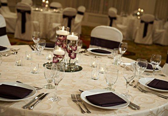 มินนิตองกา, มินนิโซตา: Social Event - Details