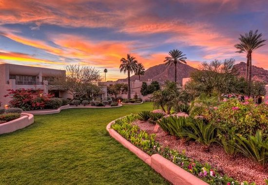 Paradise Valley, AZ: North Garden Casitas