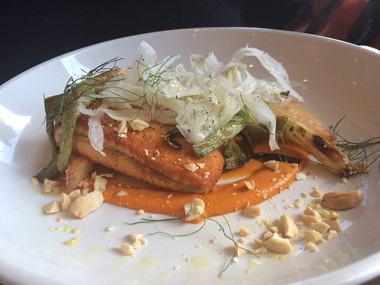 Highland Park, IL: SAKMON AND FENNEL