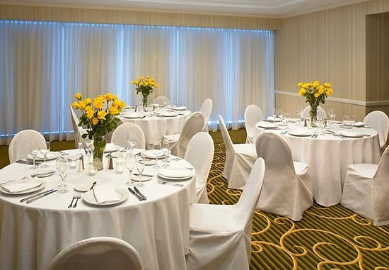 Downers Grove, Ιλινόις: Stylish Wedding Receptions