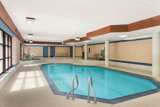 Barrie, Canadá: Indoor Pool Area
