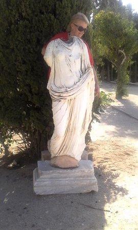 Carthage, Tunisia: А это и есть полуфабрикаты статуй, Карфаген римский