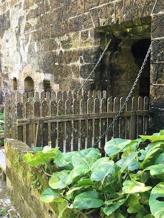 Hamilton, Bermuda: The moat