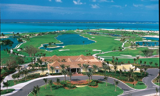 Paradise Island, New Providence Island: Overlooking the 9th and 18th holes while dining at the Ocean Club Clubhouse