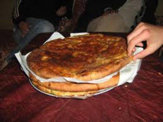 Hassilabied, Fas: Grâce à Cafe Snack Hamid Marroco. Nous avons rencontré ce lieu hors du temps... Très bien servi,