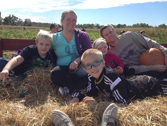 Montgomery, PA: Freddy Hill Farms Hay Ride
