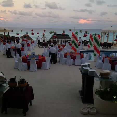 Golden Parnus All Inclusive Resort Spa Cancun Photo