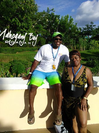 Coxen Hole, ฮอนดูรัส: At the Port, Mahogany Bay