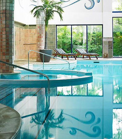 Indoor pool spa picture of dalmahoy hotel country - Hotels with swimming pools in scotland ...
