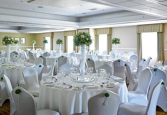 Bearsted, UK: Thurnham Suite – Wedding Setup