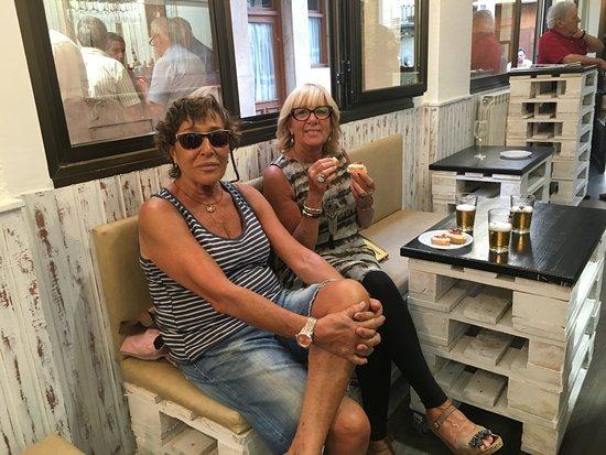 Cenicero, Spanje: amigas