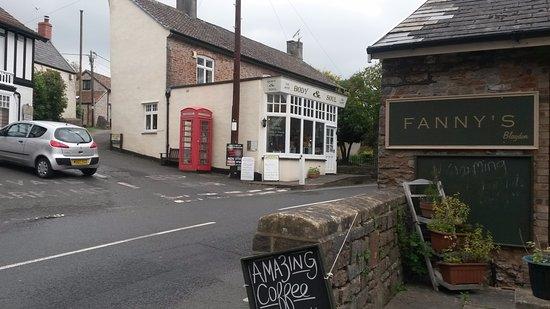 Blagdon, UK: Fanny's entrance