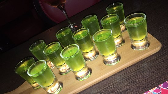 Oldbury, UK: green shooters