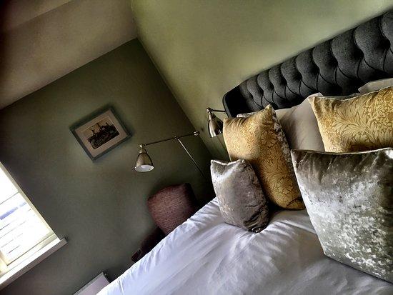 Petworth, UK: We have 14 ensuite bedrooms