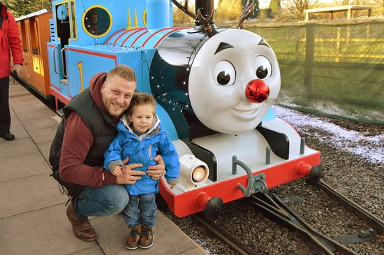 Tamworth, UK: Thomas train ride to other part of the park