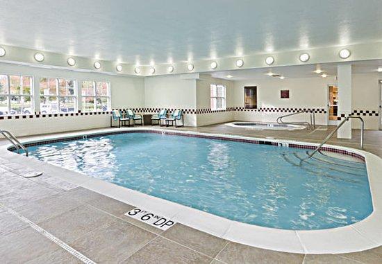 Rancho Cordova, Californië: Indoor Pool & Whirlpool