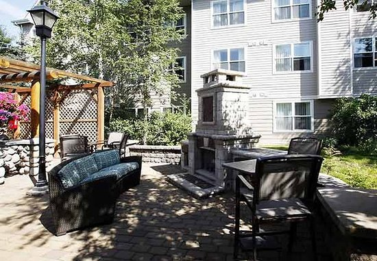 Residence Inn Anchorage Midtown: Outdoor Patio