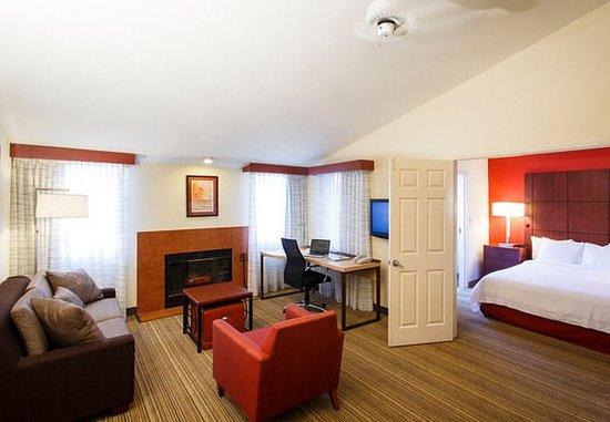 La Mirada, Kalifornien: Two-Bedroom Suite