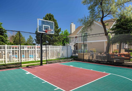 Greenwood Village, CO: Sport Court