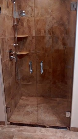 Montpellier, VT: Upscale shower