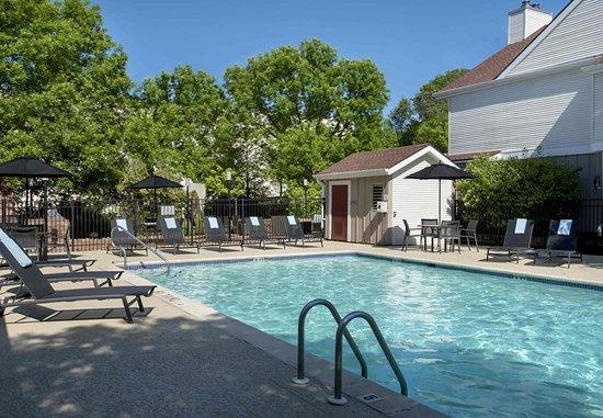 Berwyn, Πενσυλβάνια: Outdoor Pool