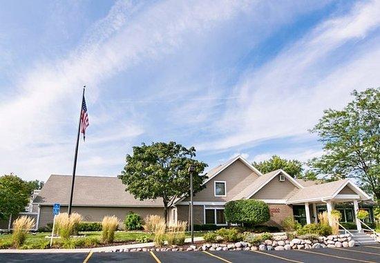 Residence Inn Milwaukee Brookfield: Exterior