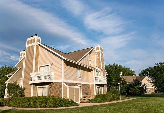Residence Inn Milwaukee Brookfield: Hotel Grounds