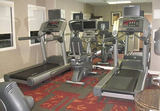 Tewksbury, MA: Fitness Center