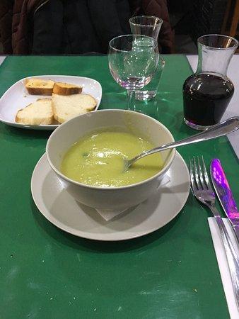 Pamiers, Frankrike: Soupe aux pois ....