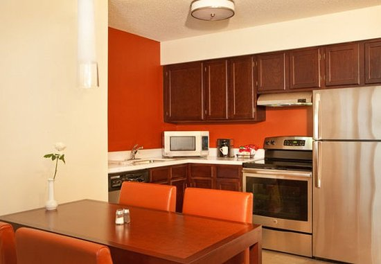 Manchester, CT: Two-Bedroom Suite - Kitchen