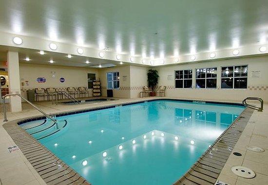 โคโรนา, แคลิฟอร์เนีย: Indoor Pool