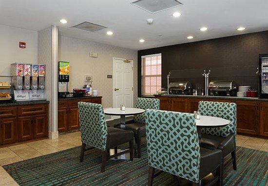 Olathe, KS: Complimentary Breakfast Buffet