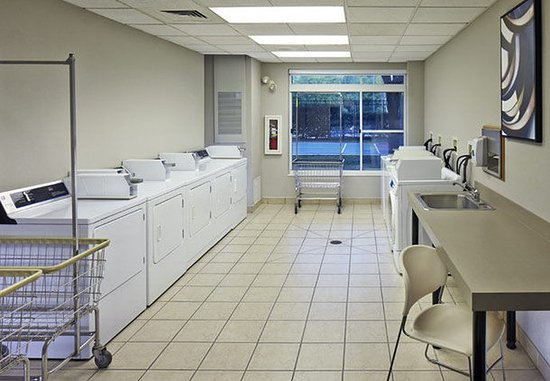Conshohocken, PA: Guest Laundry Facility
