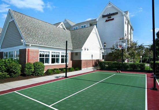 Brockton, ماساتشوستس: Sport Court