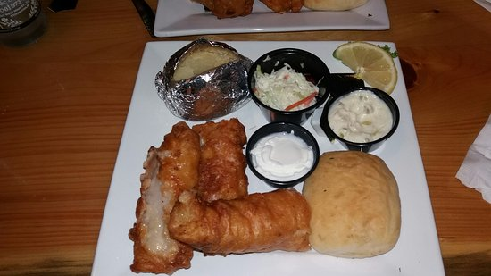 Viking Brew Pub: GREASY FISH! YUK