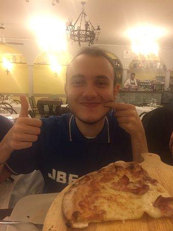 Ottima pizza nel cuore di Fabriano.