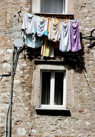 Spoleto, إيطاليا: Laundry day in Spoletto