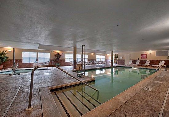 Neptune, NJ: Pool