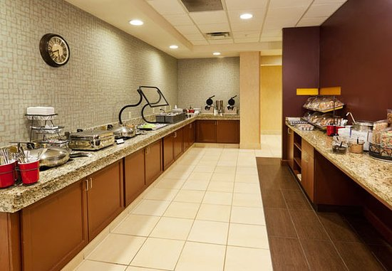 Oak Brook, IL: Breakfast Buffet