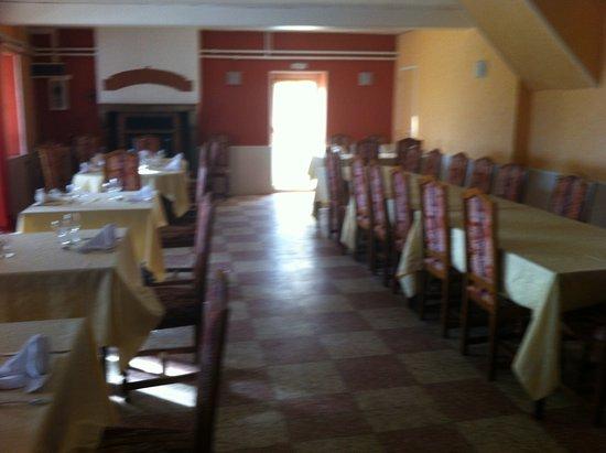 Cognat-Lyonne, Francia: notre salle de banquet pouvant accueillir jusquà 45 personnes
