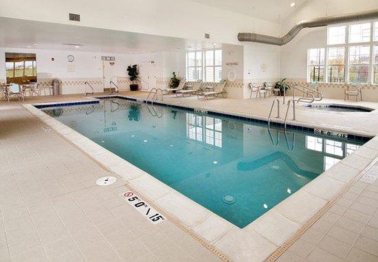 O'Fallon, มิสซูรี่: Indoor Lap Pool & Whirlpool
