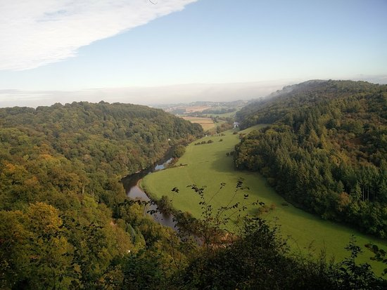 Symonds Yat, UK: MIsty valley - October 2016