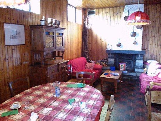 Brusson, Italia: Sala da pranzo