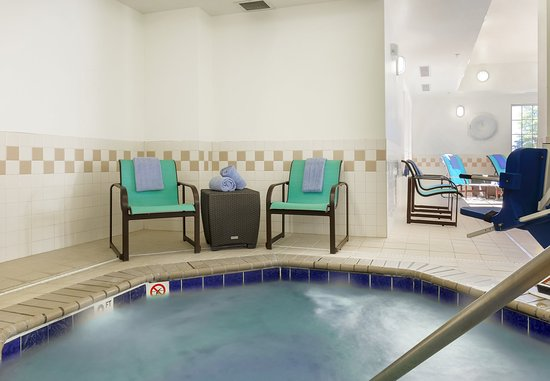 Woodbridge, فيرجينيا: Indoor Whirlpool