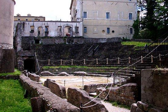 Spoleto, إيطاليا: Good hard seating
