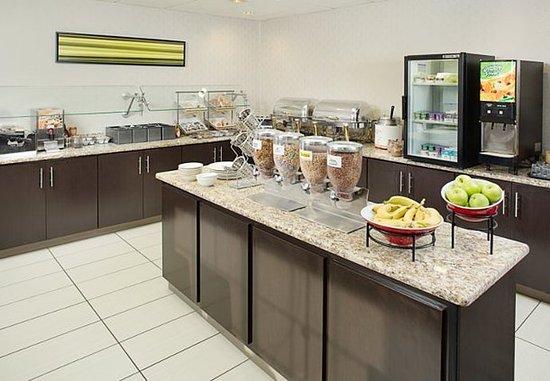 Scarborough, ME: Breakfast Buffet