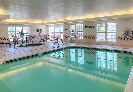 Скарборо, Мэн: Indoor Pool & Hot Tub